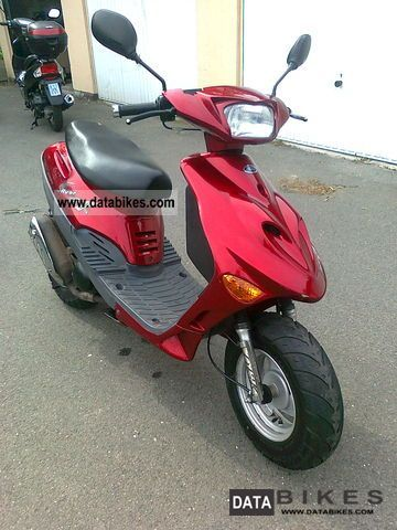 2004 Adly  Silver Fox 25 km / h Motorcycle Scooter photo