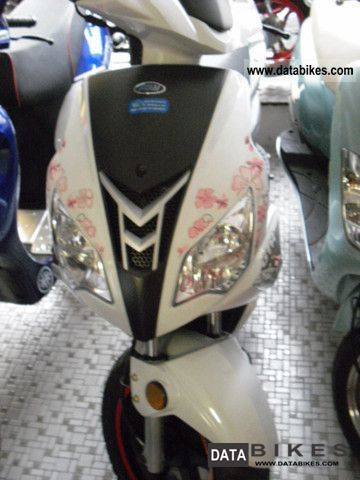 2011 Adly  GTA 50 Girls' Edition Motorcycle Scooter photo