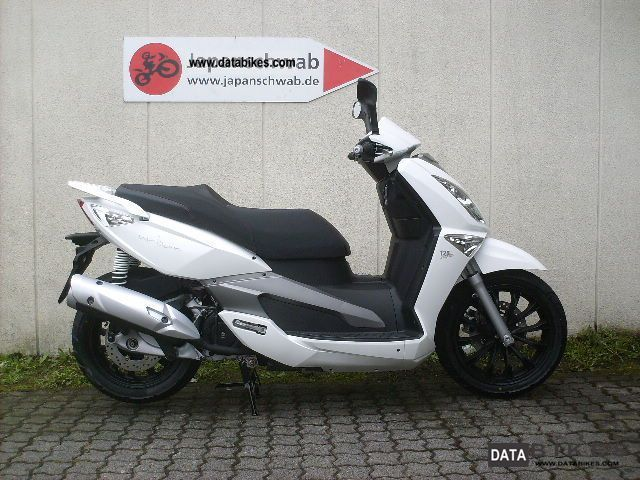 2011 Aeon  Urban 125 white 2011 Motorcycle Scooter photo