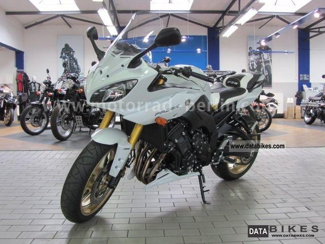 2011 Aprilia  Dosoduro 750 Motorcycle Super Moto photo