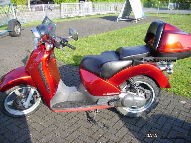 Aprilia  Scarabeo 125 2002 Scooter photo