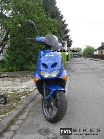 2001 Aprilia  SR 50 Motorcycle Scooter photo