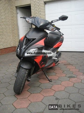 2007 Aprilia  SR 50 R Motorcycle Motor-assisted Bicycle/Small Moped photo