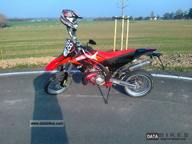 2010 Aprilia  125 sx Motorcycle Super Moto photo