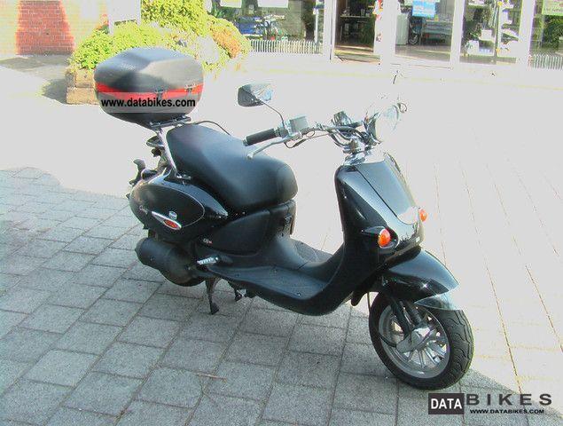 2005 Aprilia  Habana 125 Custom Motorcycle Scooter photo