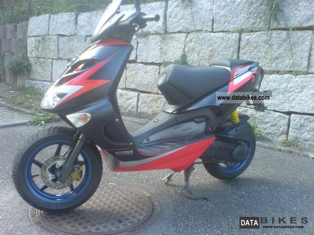2001 Aprilia  SR 50 DI-tech Motorcycle Scooter photo