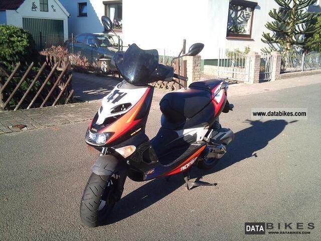 2001 Aprilia  sr 125 80 km \\ h Motorcycle Lightweight Motorcycle/Motorbike photo