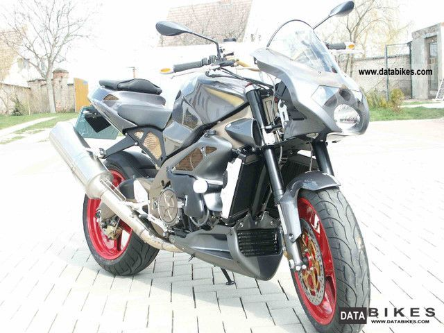 2004 Aprilia  RSV Tuono 1000 Motorcycle Sports/Super Sports Bike photo