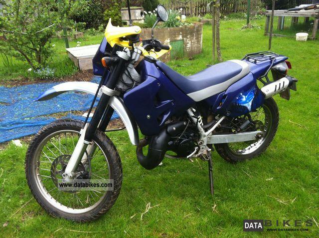2000 Aprilia  ETX 125 Motorcycle Super Moto photo