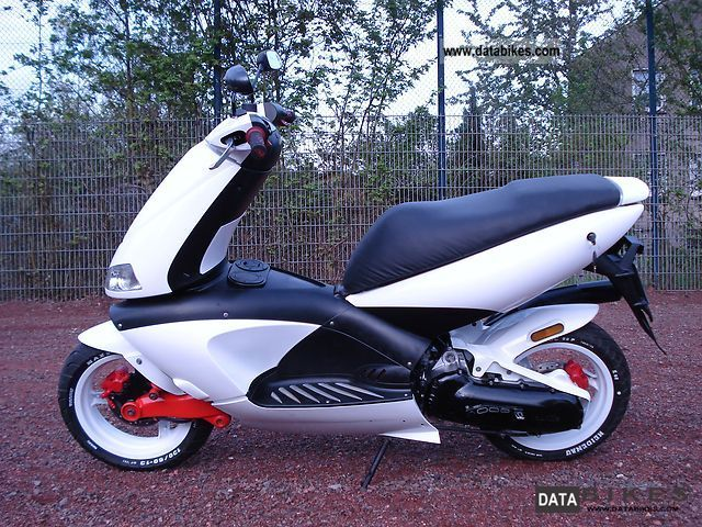 1999 Aprilia  Area 51 with no sr50 moped, Yamaha Aerox Motorcycle Motor-assisted Bicycle/Small Moped photo