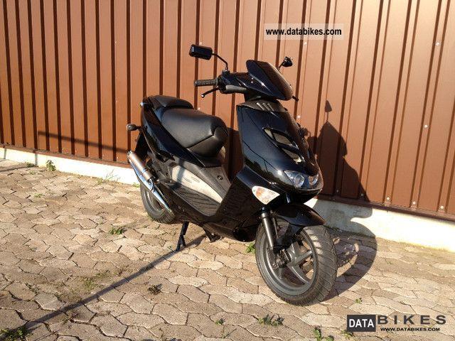 2002 Aprilia  SR 50 LC Motorcycle Scooter photo