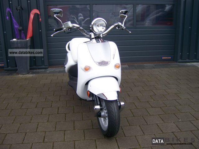2009 Aprilia  Mojito 50 Custom ** Bianco 250 km ** Motorcycle Scooter photo