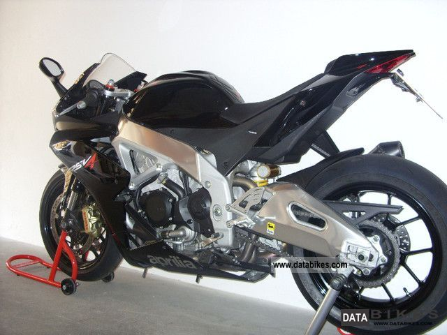 2011 Aprilia  RSV4R Motorcycle Sports/Super Sports Bike photo