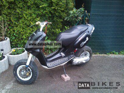 1999 Aprilia  Rally Motorcycle Scooter photo