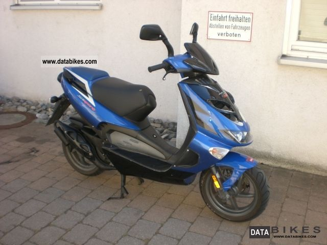 2002 Aprilia  SR 50 LC DI TECH SPORT Motorcycle Motor-assisted Bicycle/Small Moped photo