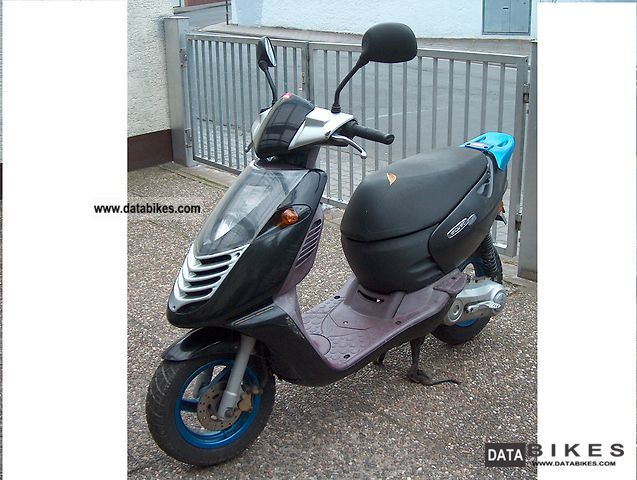 1999 Aprilia  Sonic Motorcycle Scooter photo