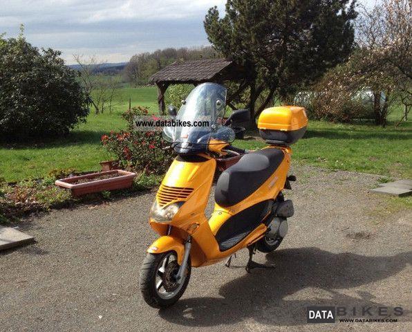 1999 Aprilia  Leonardo scooter Fully Reconditioned 1Hd Motorcycle Lightweight Motorcycle/Motorbike photo