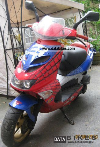 2003 Aprilia  SR 50LC - SR50LC - DiTech - Di Tech - Spiderman Motorcycle Scooter photo