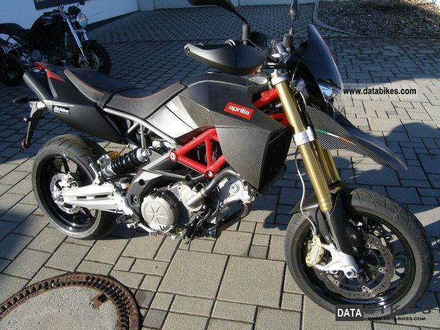 2010 Aprilia  Dorsoduro 750 Factory Motorcycle Super Moto photo