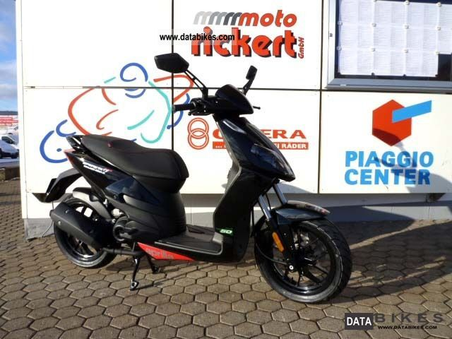 2011 Aprilia  125 SPORT CITY ONE ALL COLORS Motorcycle Scooter photo