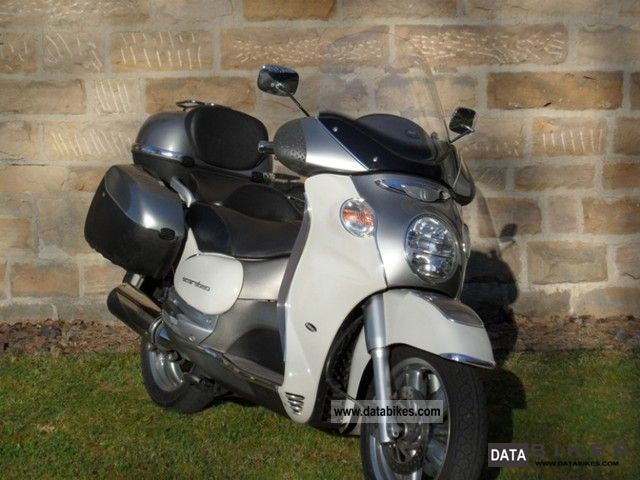 2005 Aprilia  Scarabeo 500 Motorcycle Scooter photo
