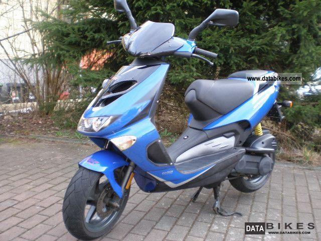 2002 Aprilia  SR50 Ditech Elektric Blue Sports Motorcycle Scooter photo
