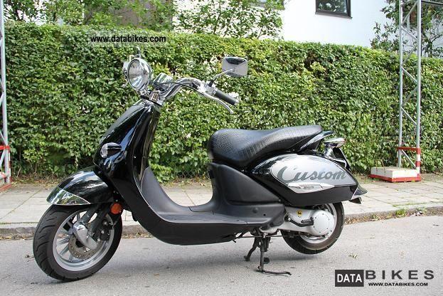 2009 Aprilia  Mojito Custom 50 Motorcycle Scooter photo