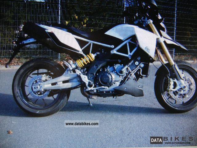 2011 Aprilia  dorsoduro 1200 ABS / ATC Accessories Motorcycle Super Moto photo
