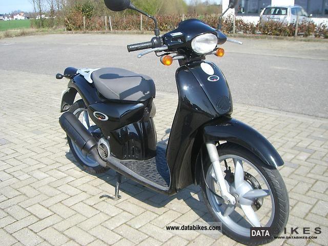 2000 Aprilia  Scarabeo 50 Motorcycle Scooter photo