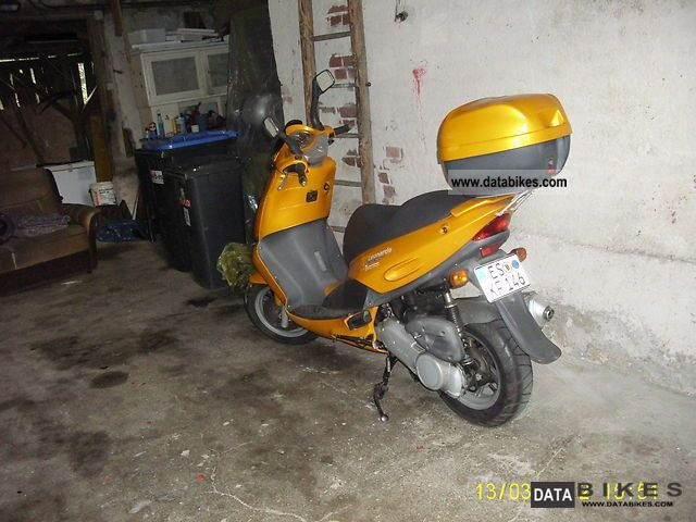1999 Aprilia  leonardo sr 125 Motorcycle Scooter photo