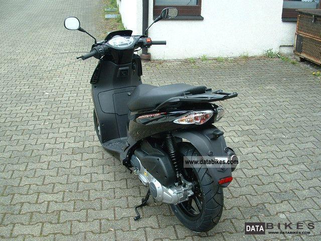 2011 Aprilia  Sportcity 125 Cube Motorcycle Scooter photo