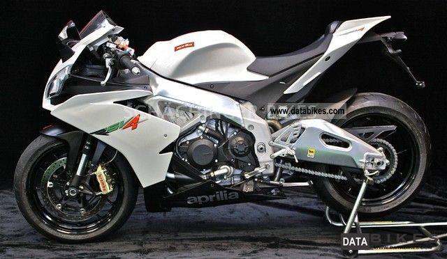 2010 Aprilia  R RSV 4 \ Motorcycle Sports/Super Sports Bike photo