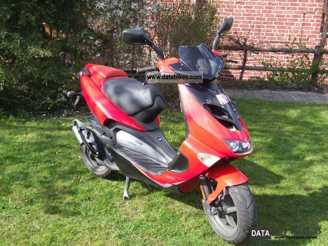 Aprilia  SR 50 Ditech LC 2003 Scooter photo