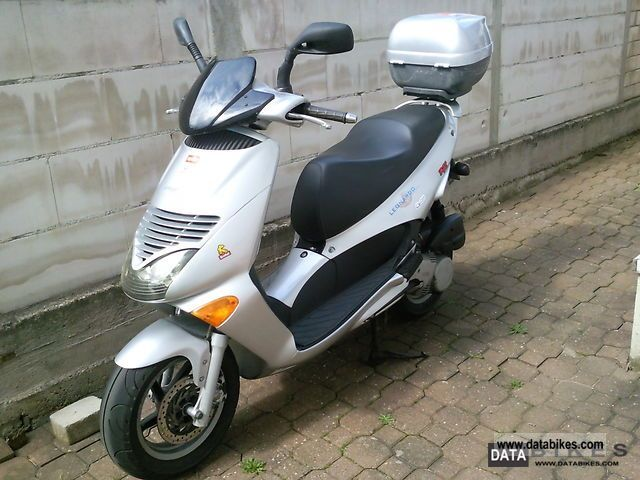 Aprilia  Leonardo SR 125 Bj.97 approval before 04.2013-TOP 1997 Scooter photo