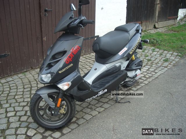 2006 Aprilia  SR 50 Street Motorcycle Scooter photo