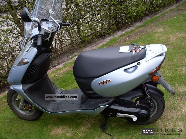 2001 Aprilia  Sonic Motorcycle Scooter photo
