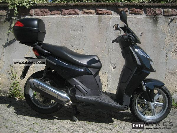 2005 Aprilia  SPORT CITY 125 Motorcycle Scooter photo