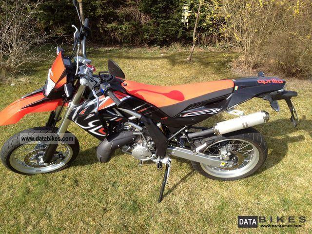 2011 Aprilia  SX 125 Motorcycle Super Moto photo