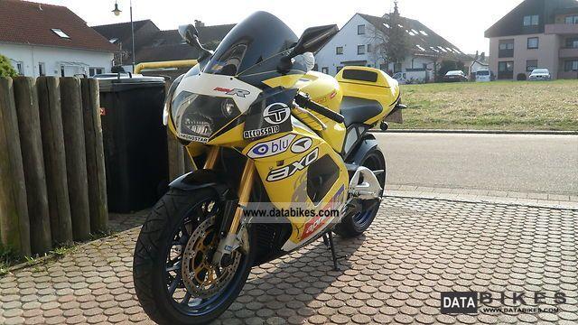 2002 Aprilia  RSV Mille R Factory Motorcycle Sports/Super Sports Bike photo