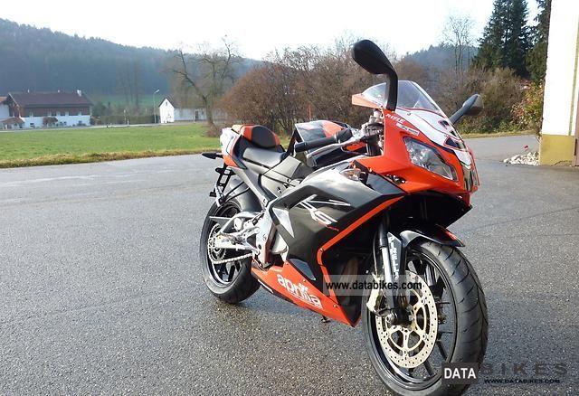 2010 Aprilia  RS 125 Replica Motorcycle Lightweight Motorcycle/Motorbike photo