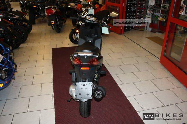 2011 Aprilia  Sportcity 125cc ZMG Motorcycle Scooter photo