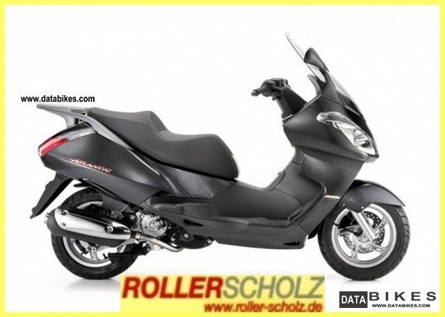 2011 Aprilia  300 Atlantic i.e. current model! Motorcycle Scooter photo