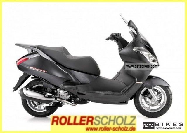 2011 Aprilia  Atlantic 300 days admission current model! Motorcycle Scooter photo