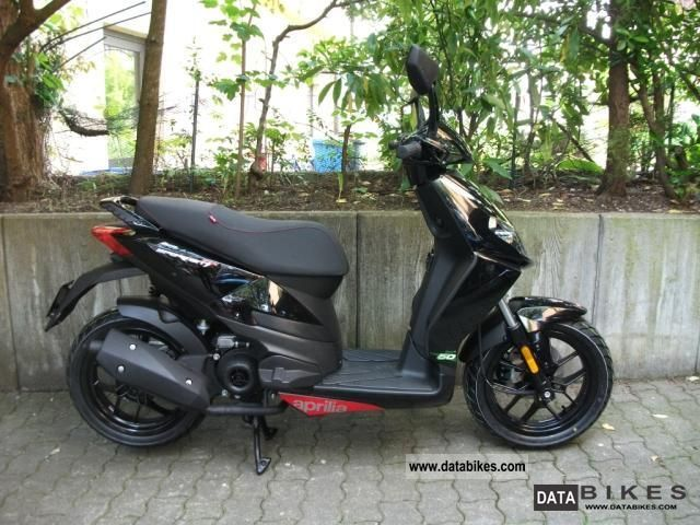 2011 aprilia sportcity one 50 two stroke. Black Bedroom Furniture Sets. Home Design Ideas
