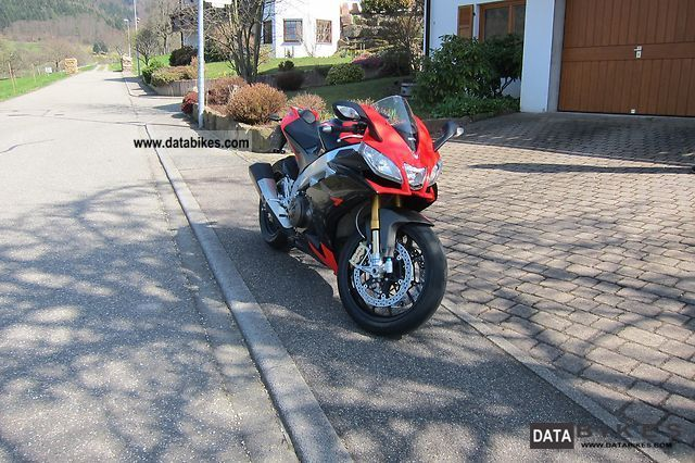 2011 Aprilia  RSV 4 Factory Motorcycle Sports/Super Sports Bike photo