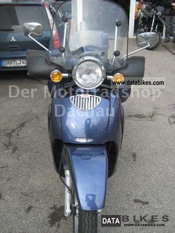 2005 Aprilia  scarabeo 125 Motorcycle Scooter photo