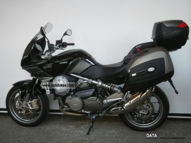 2011 Aprilia  Mana 850 GT ABS * Factory Warranty * Motorcycle Tourer photo