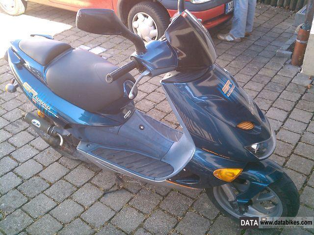 1999 Aprilia  sr 50 Worldwide Edition Winner Motorcycle Scooter photo
