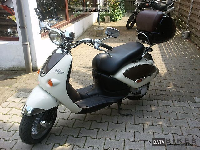 2008 Aprilia  Mojito Custom 50 Complete package Motorcycle Motor-assisted Bicycle/Small Moped photo