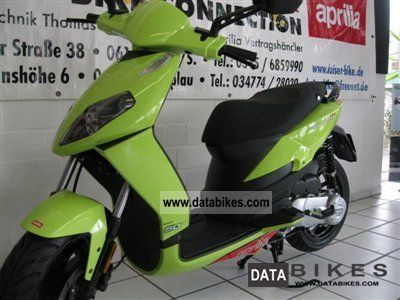 2011 Aprilia  Sportcity One 50 2T, Mod 2012 / House Price Motorcycle Scooter photo